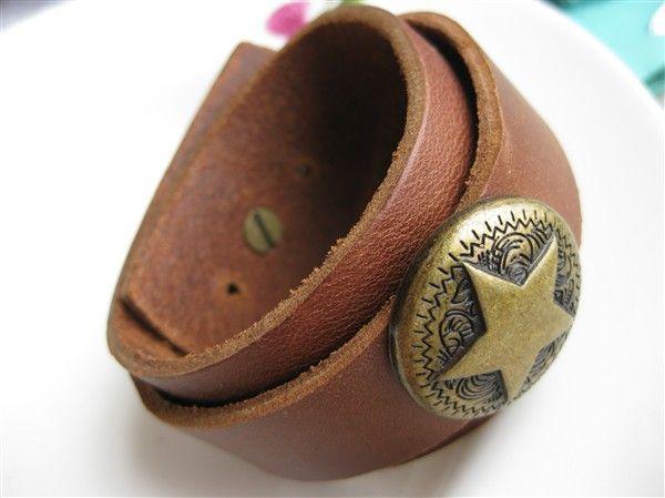 Simple Brown Wide Genuine Leather Men Bracelets With Pentagram Rivet Charm Belt Hole Buckle Adjustable