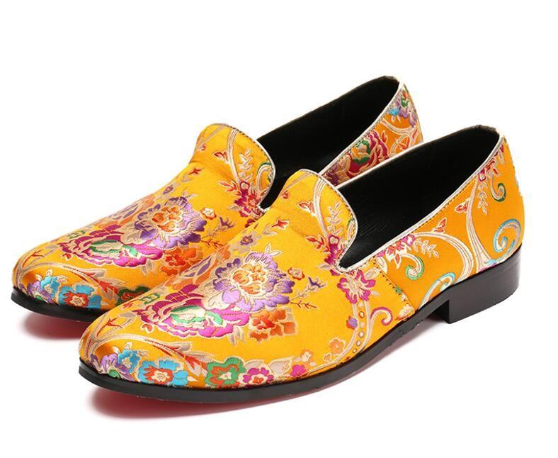 Продвижение новая весна мужчины бархат мокасины партии свадебные туфли Европа стиль золото вышитые бархат тапочки вождения мокасины AXX502