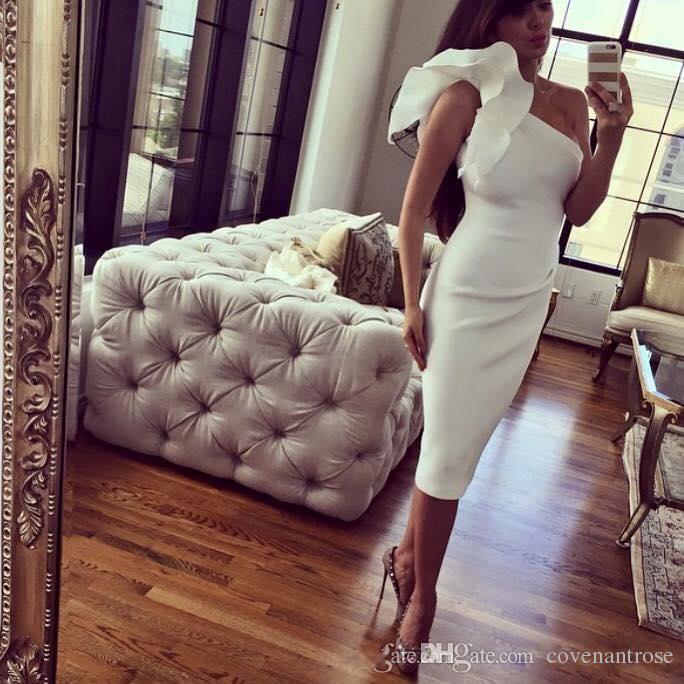 Sexy una spalla bianca abiti da cocktail abiti da sera usura da sera a buon mercato tè lunghezza abiti da ballo 2017 abito da partito di laurea personalizzato