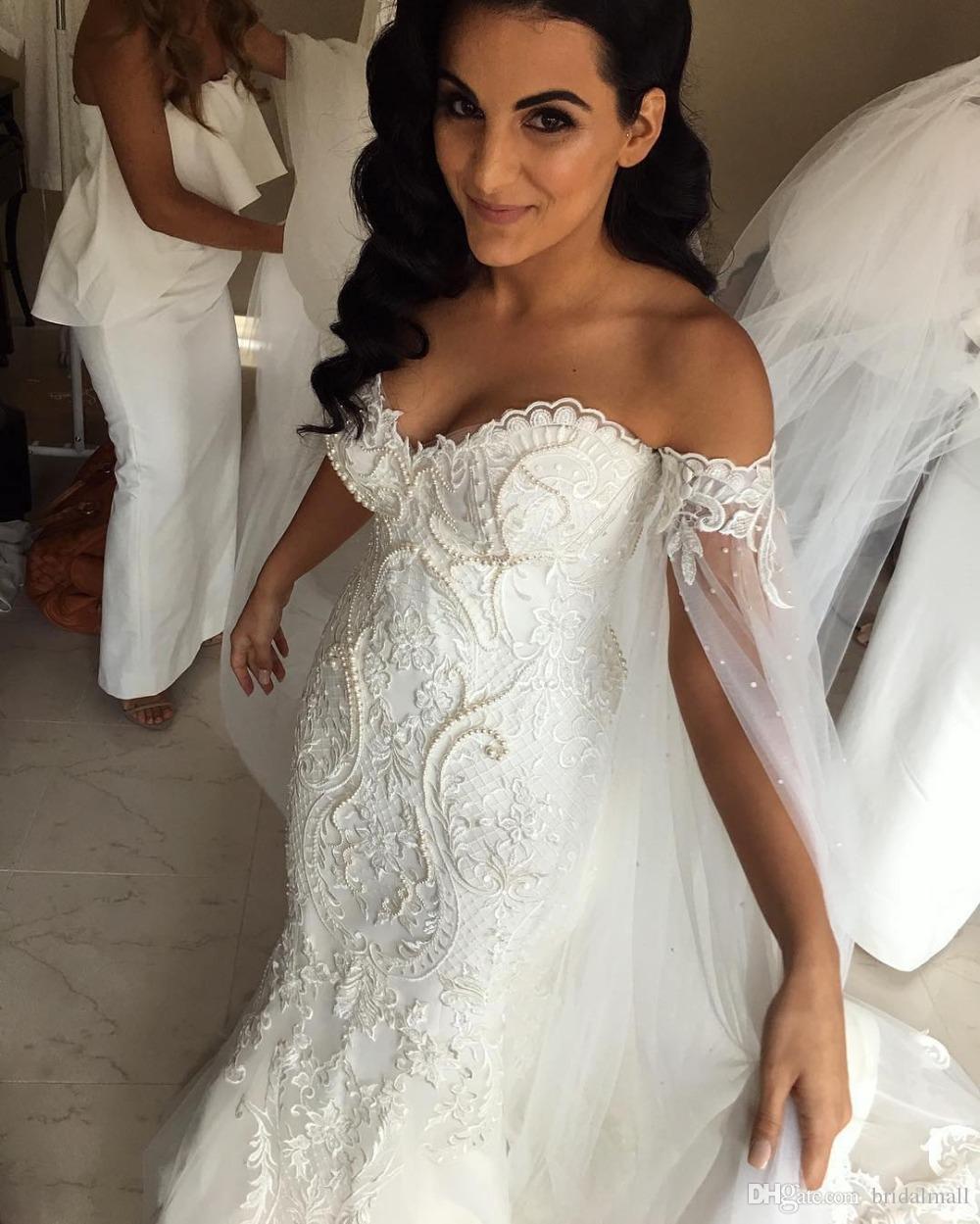 Plus Size 2019 Mermaid abiti da sposa Con Scialle Robe de mariée Applique perline perle da sposa abiti Corte dei treni Guaina Abiti da sposa