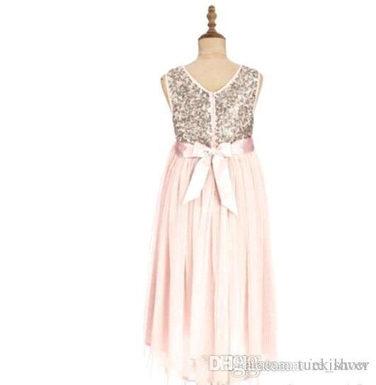 2017 Blush Pink Flower Girls Abiti matrimoni Paillettes dorate Lunghezza del tè Tulle Gioiello A Line Beach Bambini Abiti formali Junior Vestito da damigella d'onore