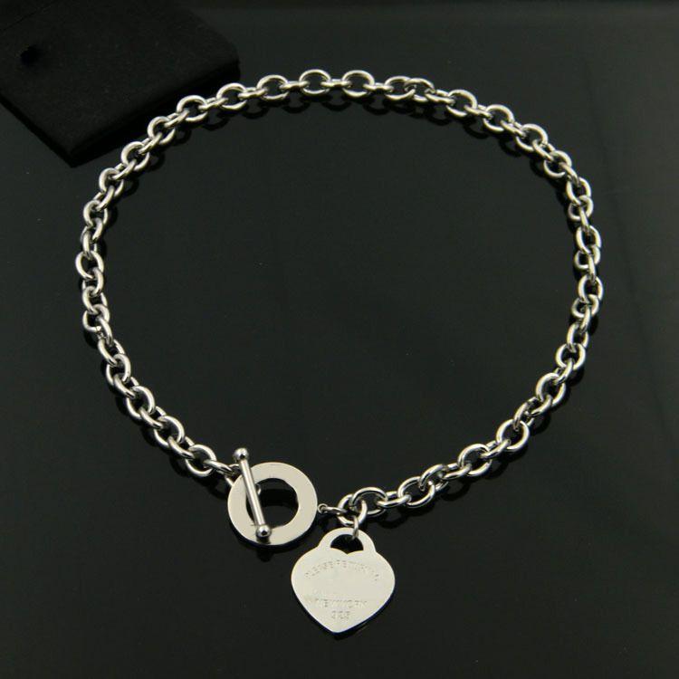 Moda Minúsculo Coração Dainty Inicial Colar Personalizado Carta Colar Nome Jóias para mulheres acessórios namorada presente