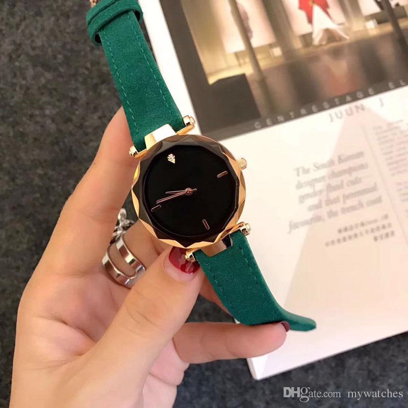 cd4c7381ecb Compre Relógios Das Mulheres Elegantes Marca De Luxo Strass 34mm Dial Cinta  Pulseira De Couro Relógio De Quartzo Para Senhoras Meninas Do Sexo Feminino  ...