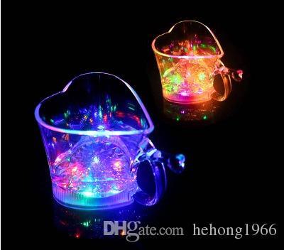Caneca Flash Coração Forma de Plástico CONDUZIU a Luz Up Cup Eco Amigável Colorido Luminous Lovers Cups Para Bar Partido 5 5jc R