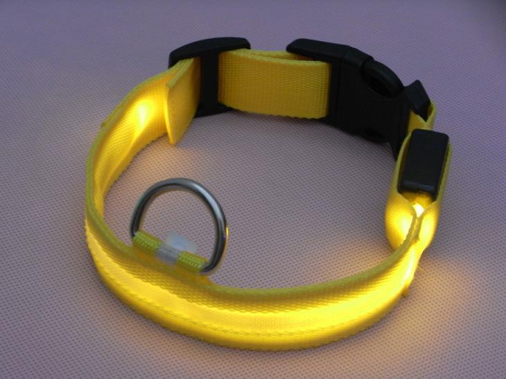 Bricolaje de buena calidad Nylon LED Flash Collar para mascotas pequeño perro medio Cat Noche de seguridad collares de luz Malla de la pantalla
