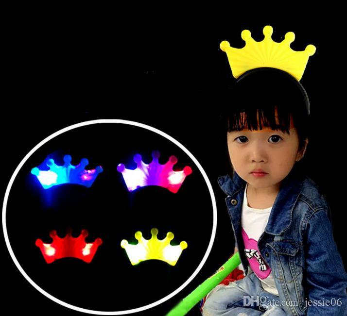 LED Crystal Crown Headbands Light Up Party Rave Fancy Dress Costume Light Up Brithday Hen Party Blinkande Headbands Christmas Holiday Favors