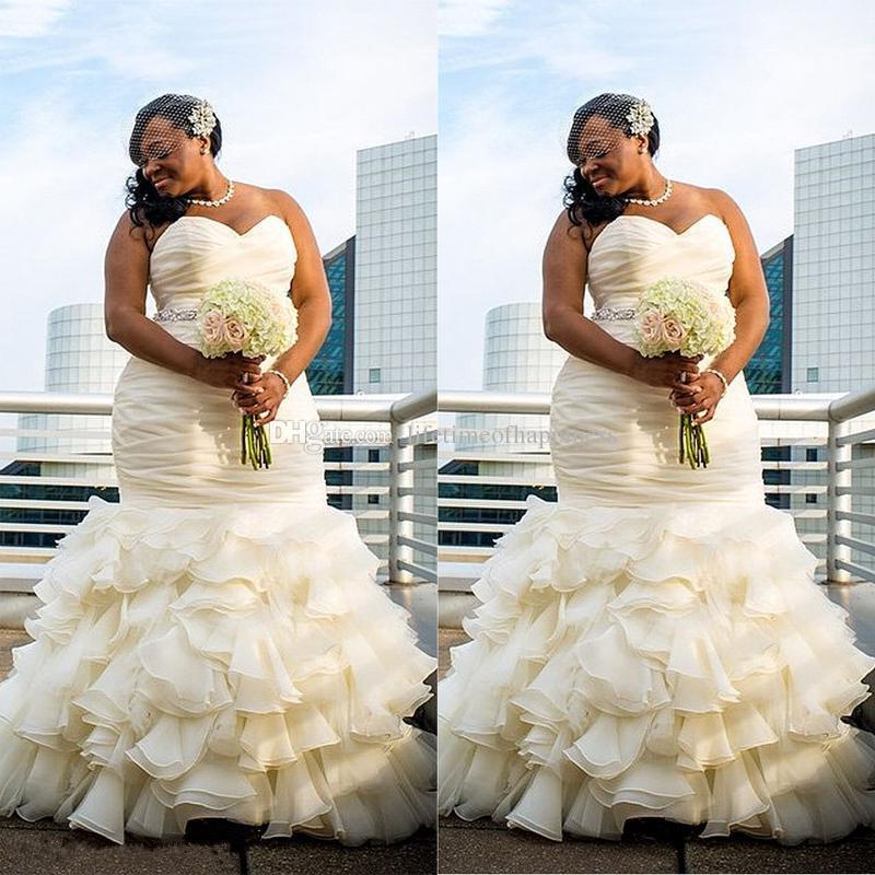 Großhandel 2017 Plus Size Meerjungfrau Brautkleider Ruched Drapierte ...