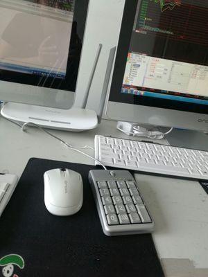 2 en 1 iOne Scorpius N4 Mouse óptico Teclado USB Cableado 19 Teclado numérico Rueda de desplazamiento para ingreso rápido de datos Ratón de teclado USB