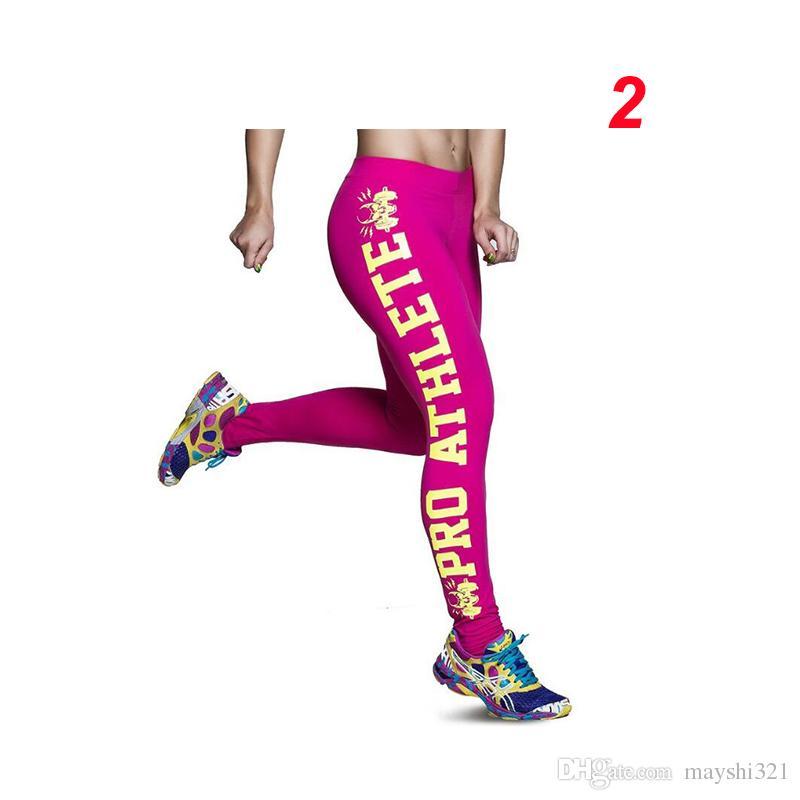 Venta al por mayor de los deportes de las mujeres de la aptitud de la aptitud del lado del cráneo impresión de la letra del lápiz pantalones de yoga corriendo deportes polainas