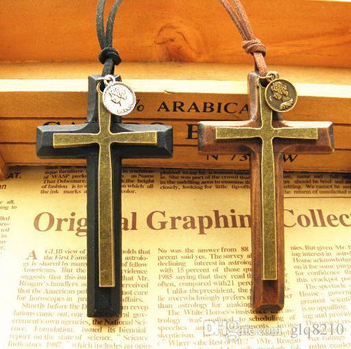 Бесплатная доставка! Новая мода твердой древесины крест ожерелье древние монеты двойной слой кулон свитер цепи корейский стиль 12 шт.