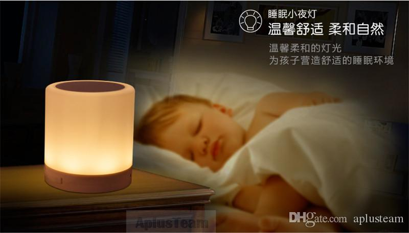 Einfache Cremefarbene LED-Touch-Sensor-Lampe Kabellose Bluetooth-tragbare Musik-Lautsprecher Warme Farbe Nachtlicht Freisprecheinrichtung Subwoofer Sound Box