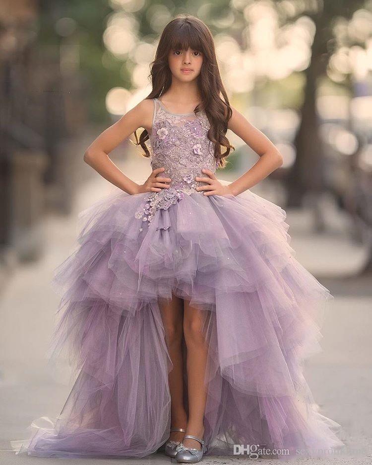 Lavanda Alto Bajo Muchachas Vestidos del desfile Vestidos de encaje Sin mangas Vestidos de niña de flores para la boda Púrpura Tulle Puffy Niños Comunión vestido