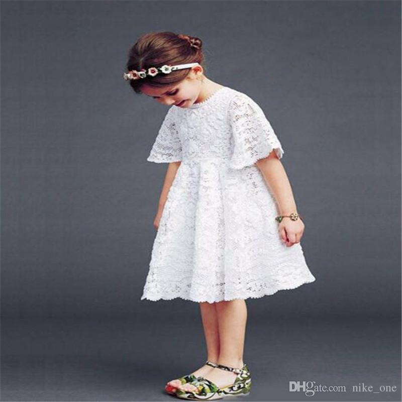 Acquista DHL Ragazze Abiti Pizzo Principessa Coreana Neonate Vestiti Bambini  Estate Ragazze Manica Corta In Cotone Uncinetto Scava Fuori Il Vestito Da  ... 676ca91c231
