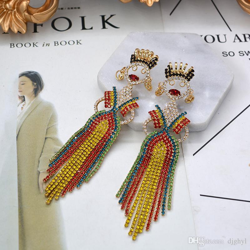 New Baroque Retro Metal King Doll Figura Orecchini pendenti Donne strass Orecchini lunghi Punk Gioielli da sposa Orecchini pendenti