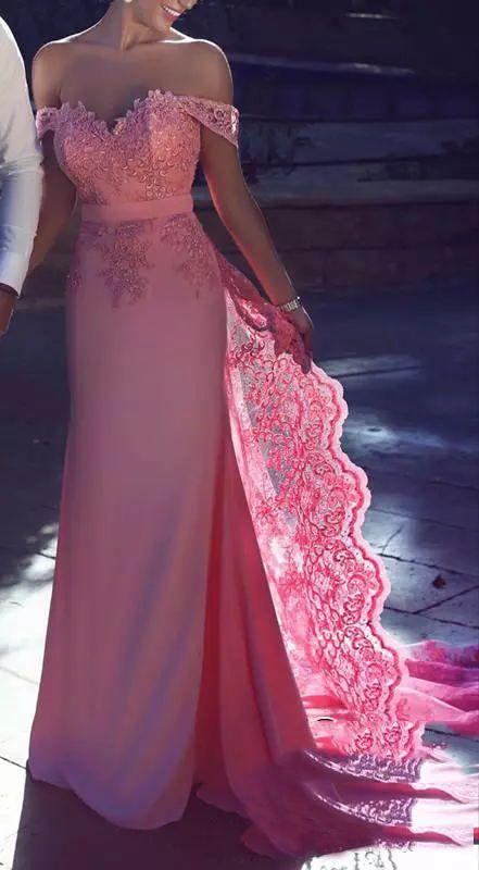2017 Elegant Pink Long Bridesmaid Dresses Off Shoulder With Lace Applique Guest Dresses Back Zipper Sweep Train Hot Sale Custom Party Gowns