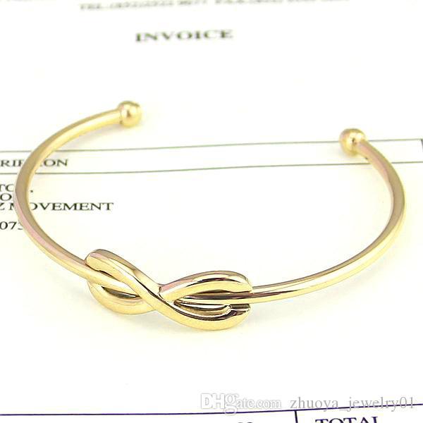Bracciale in acciaio di titanio all'ingrosso e lettere di commercio estero di otto apertura 18 k braccialetto d'oro figura della signora 8 braccialetto di apertura del commercio estero