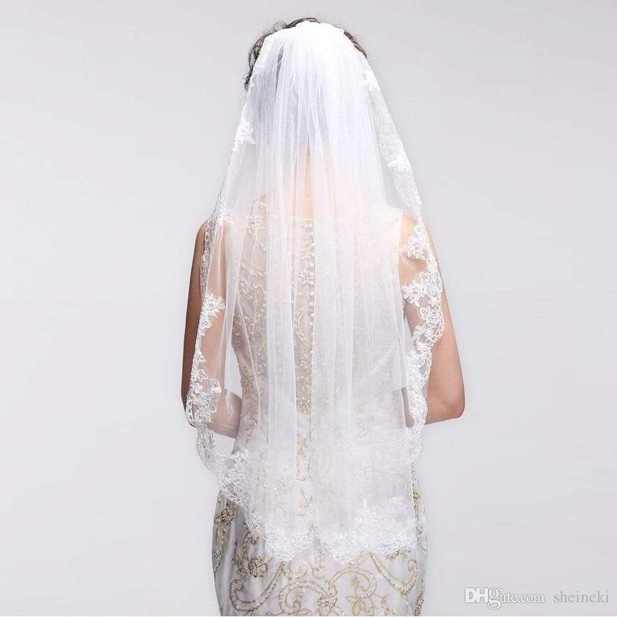 2017 Short One Layer Bordo in pizzo Bianco Avorio Velo da sposa Tulle Velo da sposa Accessori da sposa economici Voile Mariage Velos de Noiva