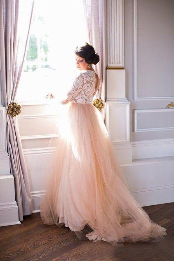 Robe de mariée de taille plus magnifique pays une ligne pure cou plongeant illusion en dentelle Top manches longues Blush rose Tulle robes de mariée dos ouvert
