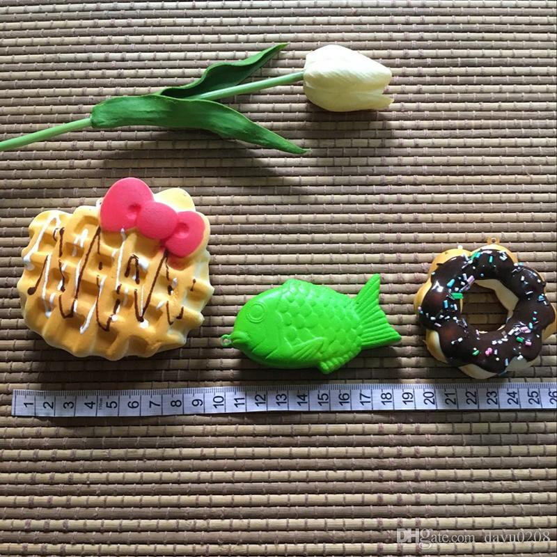New Kawaii Squishies Cupcakes Peach, strawberry, banana, expression of bread, hello Kitty Bun Toasts Multi Donuts Is the picture