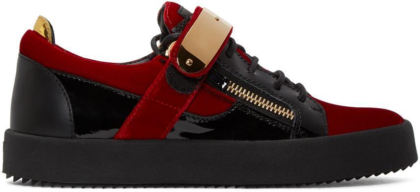 con scatola Designer italiano Fashion Brand new Sneakers uomo scamosciato in camoscio nero / rosso / blu, Punta tonda Accessori dorati Scarpe stringate casual