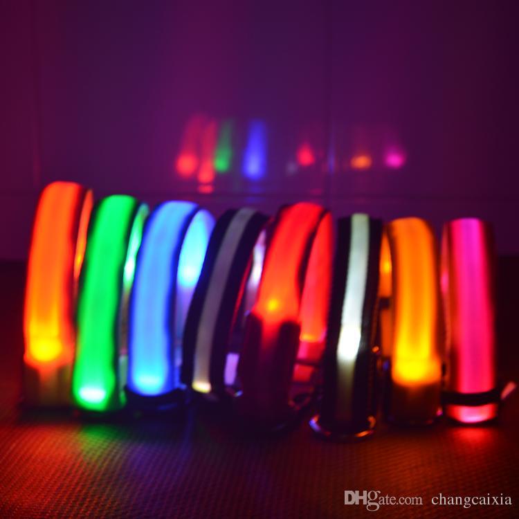 8 Farben 4 Größen Nacht Sicherheit LED Licht Blinkt Glow Nylon Haustier Hundehalsband Kleine Medium Hund Haustier Leine Hundehalsband Flashing Sicherheit Kragen