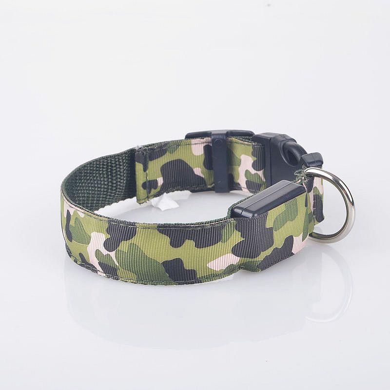 Großhandel Lustige Camouflage Designs Flashing Hundehalsband LED Pet Halskette Nylon Kette Umwelt Kragen 35 cm bis 60 cm Versorgung Kostenloser Versand