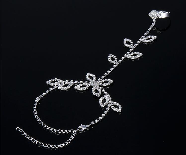 Crystal Bridal Wedding Bracelet Elegant Rhinestone Butterfly Bracelets with Ring Prom Party Jewelry for Women Luxury Wristband