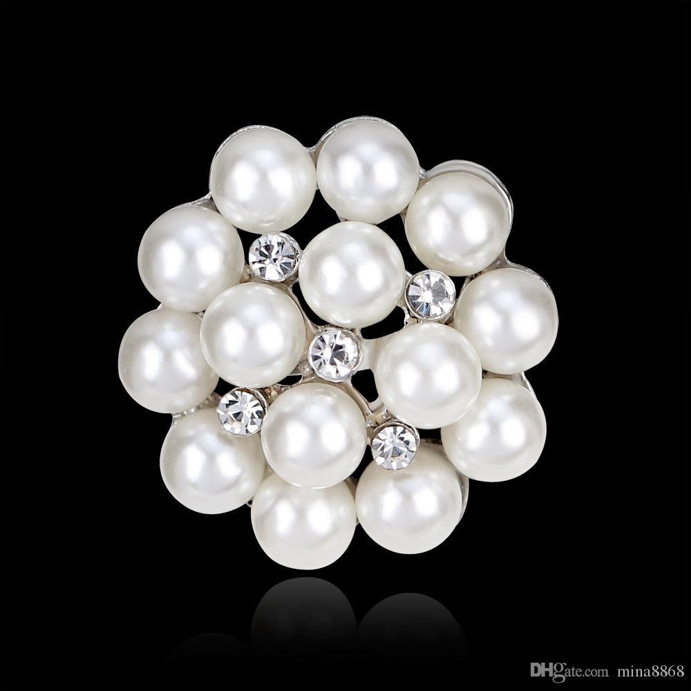 Großhandel Kristalle Blume Schal Broschen Frauen Brosche Pins Clip Schnalle halten Strass Imitation Perle Broschen Weihnachtsgeschenke Top-Qualität