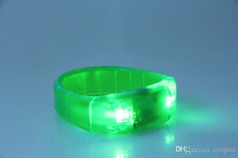 LED Bracelet de commande vocale Glo-sticks Électronique LED Bracelet clignotant Glow Bracelets Wrist Band Bracelet de Noël LED Lighted Toys