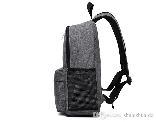 2017.Shoulder bag. Casual fashion bag for men and women. College style. Schoolbag. Backpacking. School Bags.Canvas.