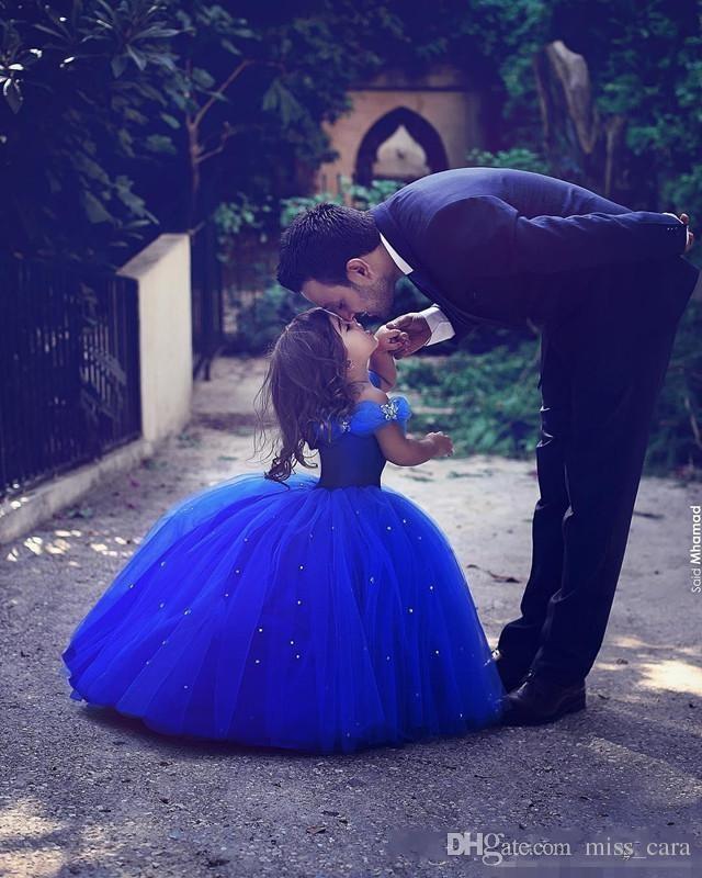 Kraliyet Mavi Külkedisi Elbise Balo Çiçek Kız Elbise Çocuklar Pageant Törenlerinde Kapalı Omuz Boncuklu Communion Düğünler Için Özel Durum