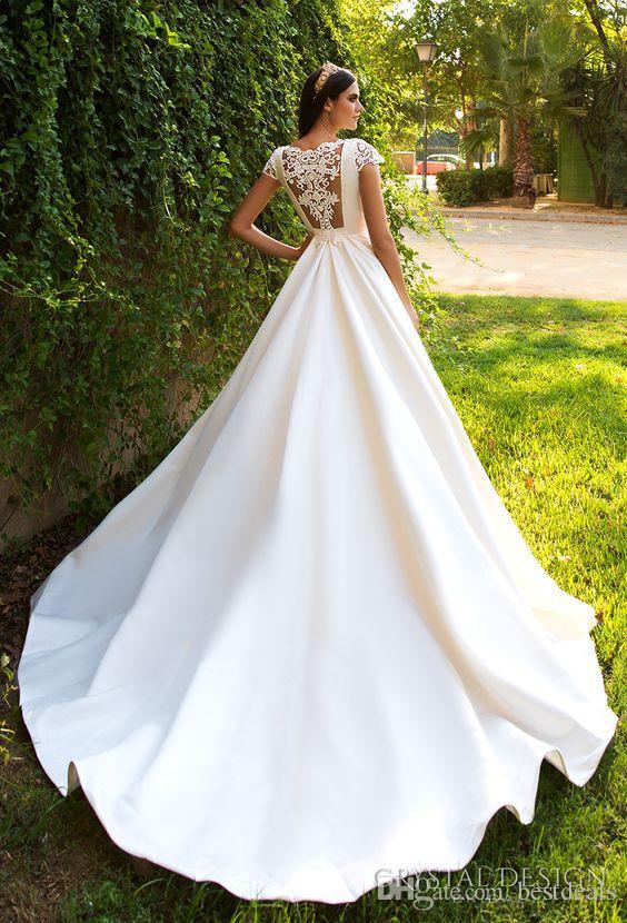 Élégante manches courtes A Ligne Satin Court Train Robes de mariée 2017 Superbes applications Princess Robe de mariée Vestido de Noiva
