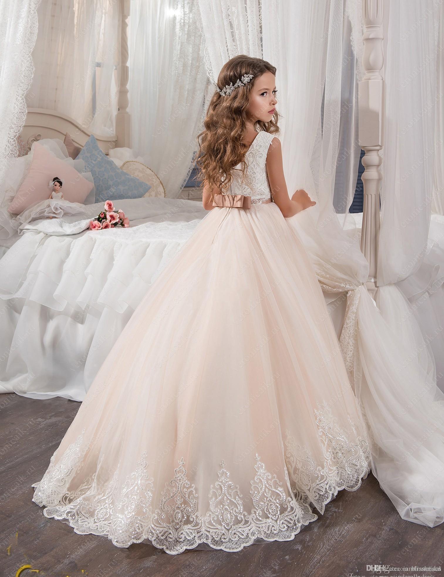 2017 Vintage Çiçek Kız Elbise Düğün İçin Allık Pembe Custom Made Prenses Tutu Payetli Aplike Dantel Yay Çocuklar İlk Communion Abiye