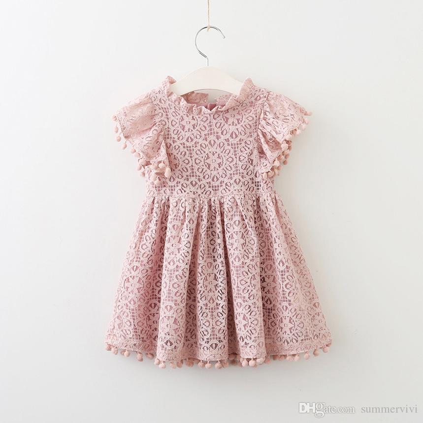 Çocuklar dantel hollow tığ elbise kız dantel nakış ponpon püskül prenses elbise yaz çocuk falbala fly kollu parti elbise T0700