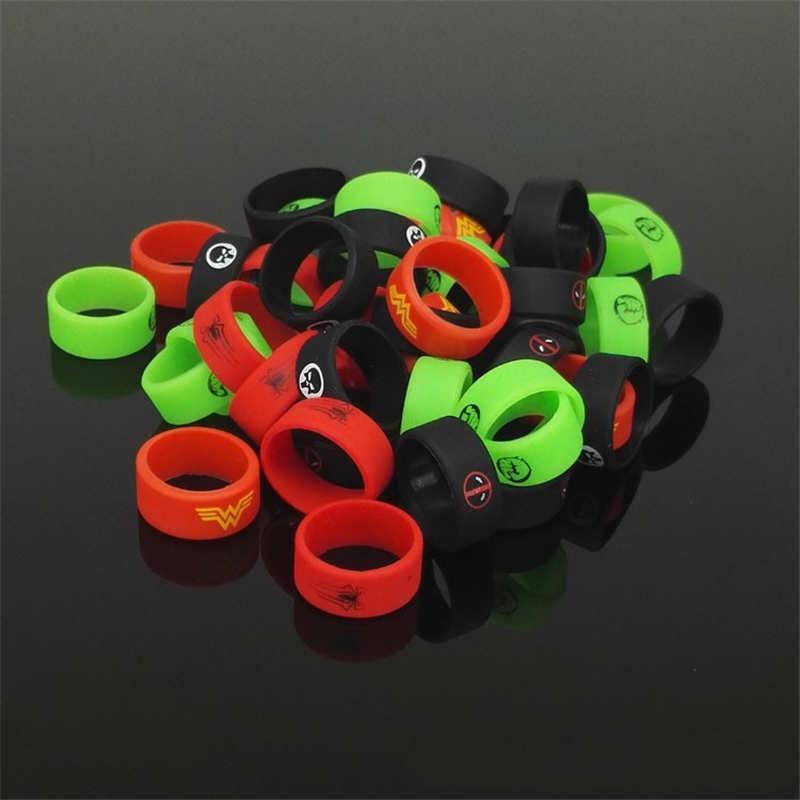 Bandes en caoutchouc de silicone d'anneau de décoration de bande de silicone avec le logo de Batman de Spiderman le diamètre de 20mm