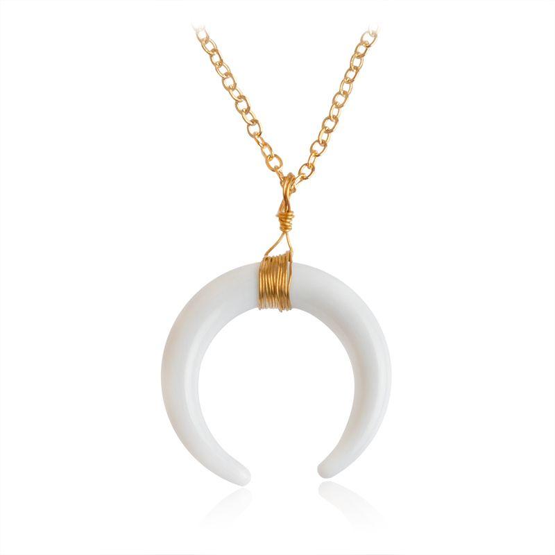 Varios colores de oro plateado Wire Wrap doble cuerno de luna crescent hueso forma de cola de jade de piedra pendiente collares