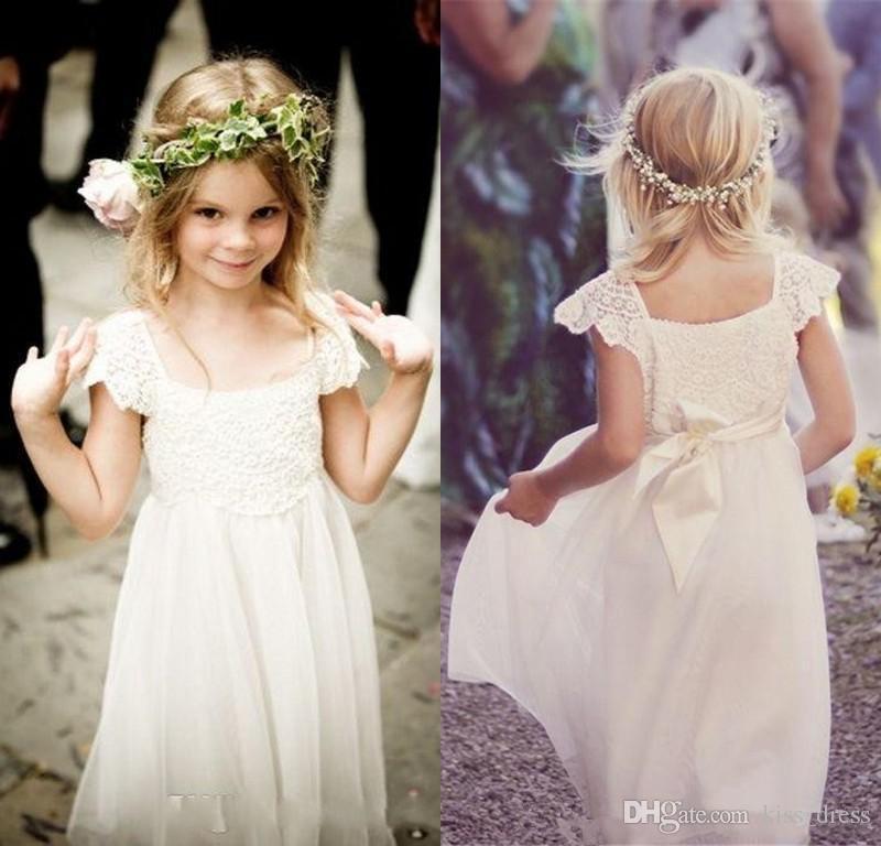 Vintage Dantel Uzun Çiçek Kız Elbise 2019 Cap Sleeve A-Line çocuk Doğum Günü Partisi Törenlerinde Eşleşen Kanat Kat Uzunluk Düğün Pageant Törenlerinde F57