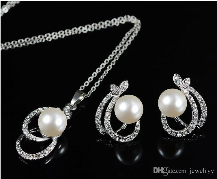 Crystal Pearl Jewelry for Women Bridemaid Pearl Rehinestone Pendant Necklace and Earrings Set Bridal Wedding Jewelry Set