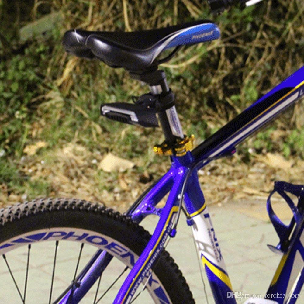 X5 Inteligente Traseiro Bicicleta Luz Da Bicicleta Da Lâmpada de Controle Remoto Sem Fio Recarregável LEVOU USB Controle Remoto Girando Ciclismo Bycicle levou Luz
