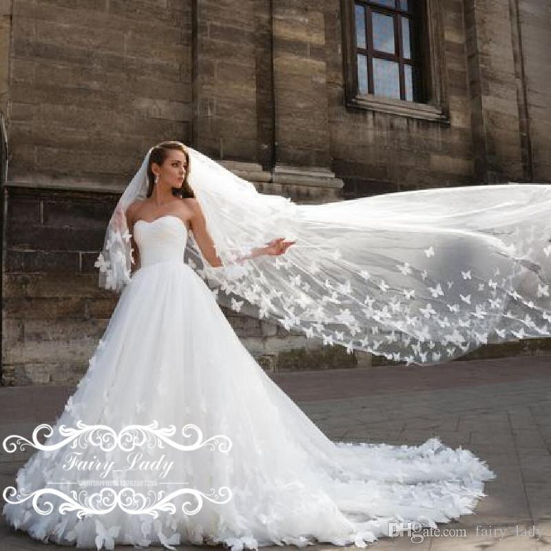 Butterfly Wedding Gown: Stunning Butterfly 3D Floral Appliques Wedding Dresses