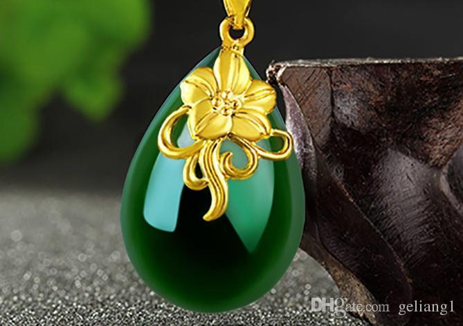 Золотой набор с зеленым нефритовым ожерельем пузырьковидные орхидеи цветущие цветы. Кулон ожерелье.