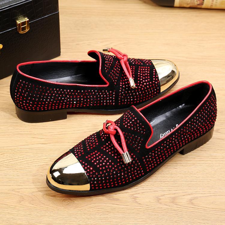 Vente chaude Casual Chaussures Habillées Pour Hommes Noir En Cuir Véritable Gland Hommes Chaussures De Mariage Or Métallique Hommes Cloutés Mocassins 3 Couleurs