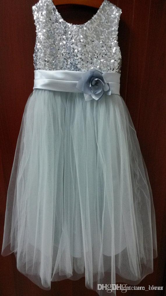 Vestito da bambina a fiori in paillettes argento / avorio Vestito da bambina bambini neonato / vestito da damigella d'onore junior / fiore a balze / vestito da neonata / vestito natalizio