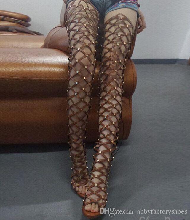 2017 Verão Joelho Alta Gladiador Sandálias Das Mulheres Botas Abertas Toe de Moda Senhoras De Metal De Ouro Sexy Sandálias de Salto Alto Sapatos Partido Cravejado Sandalias