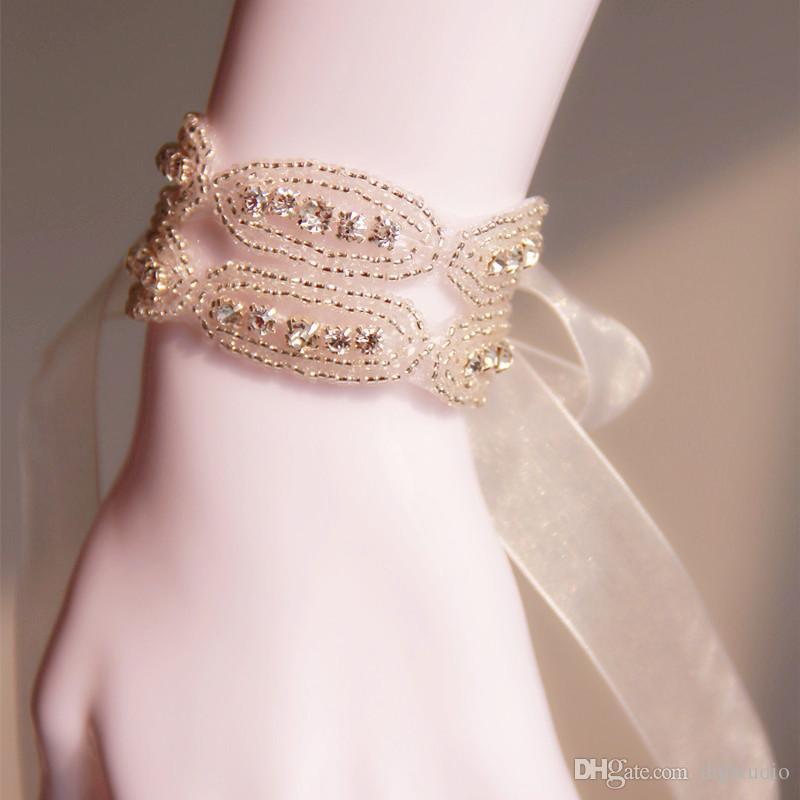 Sparking argento da polso da polso fiori brillanti perline Accessori da sposa di cristallo Nuovo arrivo 2017 Accessori da sposa a buon mercato