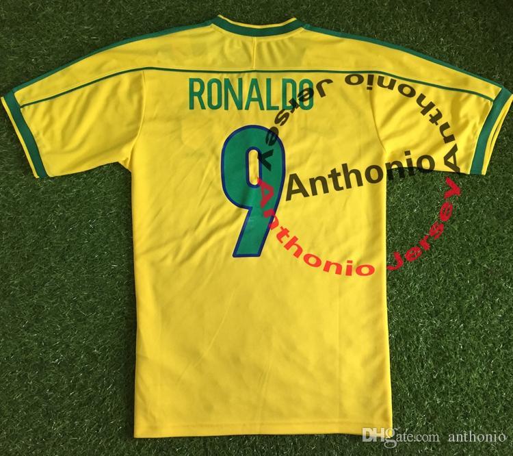 28a73e94c Compre 1998 BRASIL RETRO VINTAGE CLÁSSICO RONALDO RIVALDO RONALDINHO BRASIL  Tailândia Qualidade Camisas De Futebol Uniformes Futebol Camisa Camiseta  Futbol ...