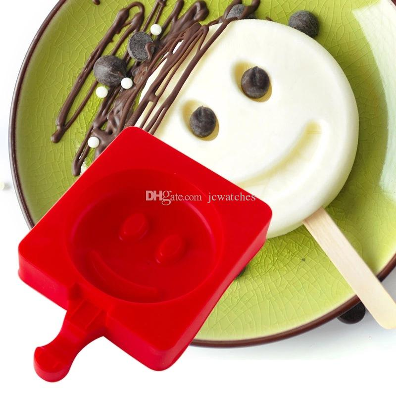 18 Style Cartoon DIY Silicone Ice Cream Mold Popsicle Molds Popsicle Maker Holder Frozen Ice Mould Kitchen Tools