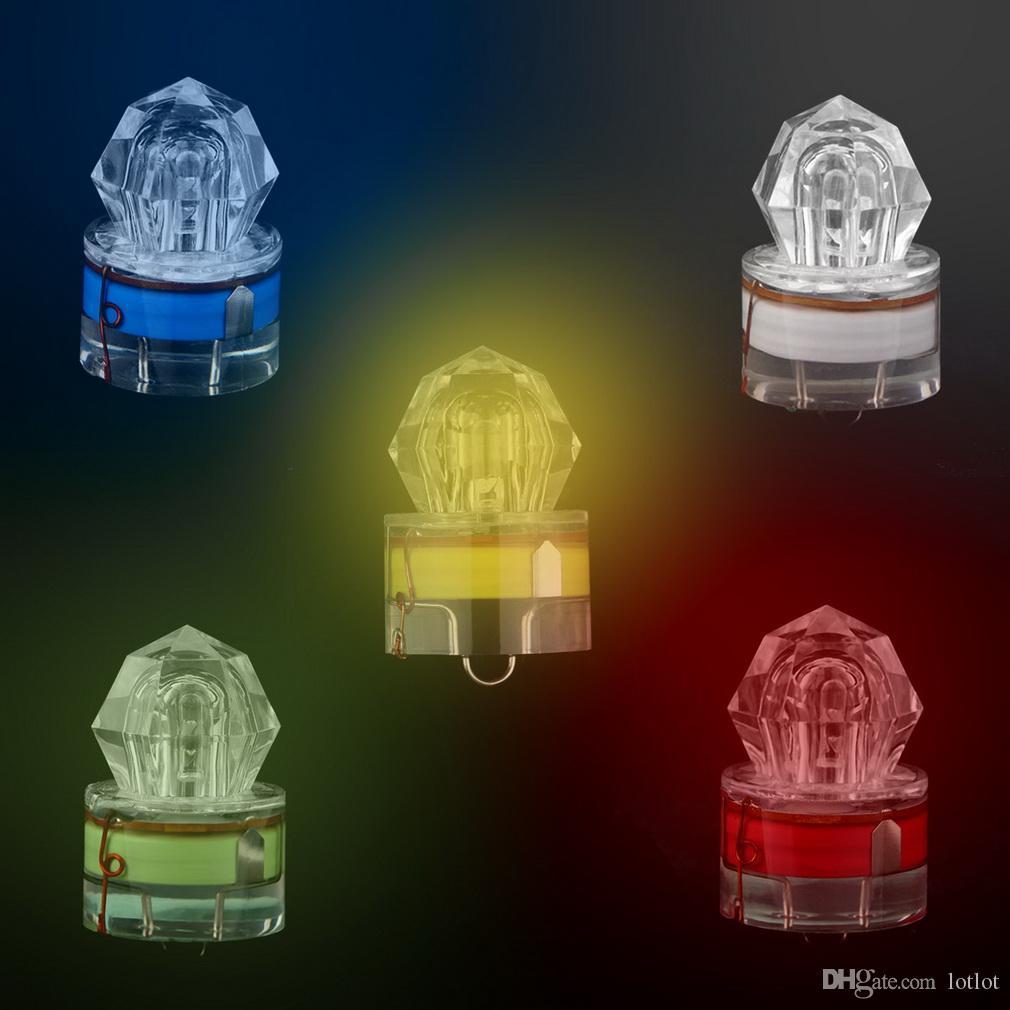 Lumière de pêche de LED Goutte profonde sous-marine Diamant sous forme de clignotant appât