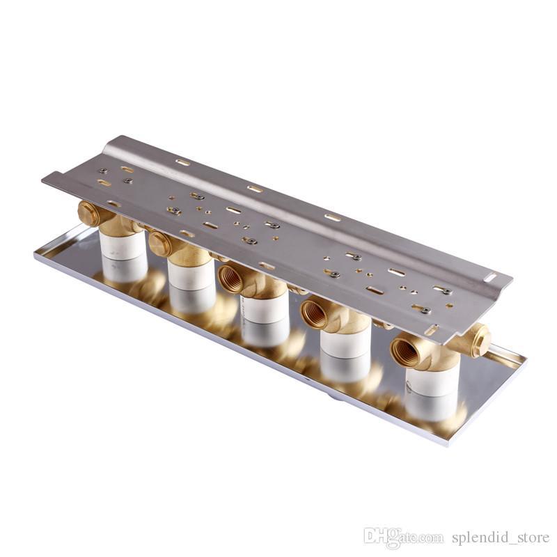 Válvula de mezcla termostática moderna del desvío de la válvula de mezcla de la ducha de alto flujo de la función de 4 funciones Valvula de desvío de cobre amarillo montada en la pared para las duchas