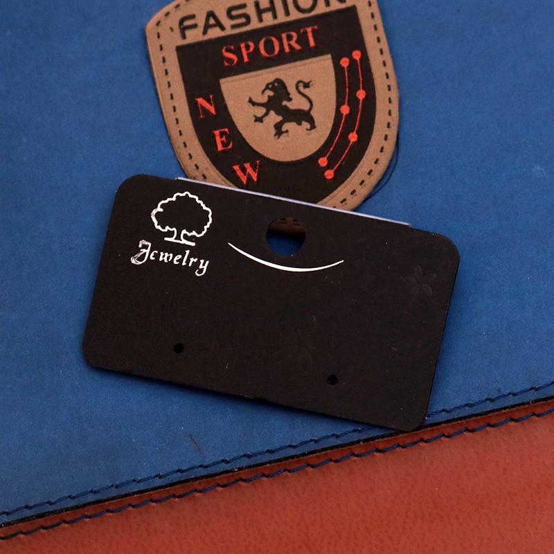 Tarjeta de joyería al por mayor 200 unids / lote 3 * 5.2 cm Negro Plástico PVC Pendiente del perno prisionero Tarjeta Logotipo personalizado Exhibición de la joyería Tarjeta de embalaje Etiquetas